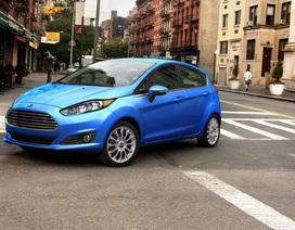 Bị Ford từ chối, nhà làm phim chọn xe gì thay thế?