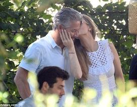 Người mẫu Playboy hạnh phúc bên chồng mới cưới