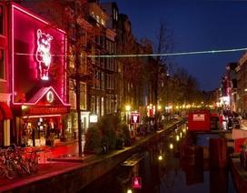 """Hà Lan quyết tuyên chiến với tình trạng """"vô pháp"""" ở phố đèn đỏ"""