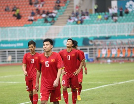 Cầu thủ Olympic Việt Nam buồn bã sau thất bại, cảm ơn người hâm mộ