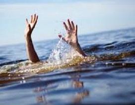 Mẹ nhảy xuống ao cứu con, cả 2 cùng chết đuối