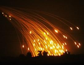 """Nga """"tố"""" Mỹ dùng bom cấm tấn công Syria"""