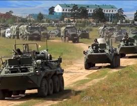 Binh sĩ, khí tài quân sự Nga dồn dập đổ về cuộc tập trận lớn nhất lịch sử