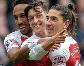 Ozil, Xhaka giúp Arsenal vượt ải St James's Park