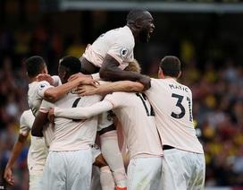 Watford 1-2 Man Utd: Lukaku lập công, Matic nhận thẻ đỏ