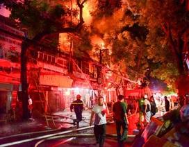 Cháy hàng loạt ngôi nhà gần Bệnh viện Nhi Hà Nội