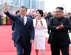 """Giải mã nghệ thuật """"ngoại giao trang phục"""" của lãnh đạo Hàn - Triều"""