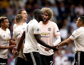 Burnley 0-2 Man Utd: Cú đúp của Lukaku, Rashford bị đuổi