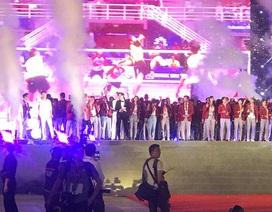 Olympic Việt Nam cảm ơn người hâm mộ trong lễ vinh danh tại Mỹ Đình