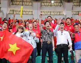 Ngọc Sơn và học trò giữ lời hứa thưởng nóng 250 triệu cho Olympic Việt Nam