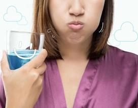 """5 sự thật khiến bạn nhận ra mình vẫn còn """"lơ ngơ"""" về nước súc miệng"""