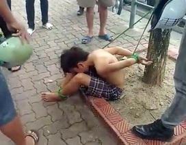 Hà Nội: 3 kẻ trói cậu bé đánh giày vào gốc cây sẽ phải lĩnh hậu quả gì?