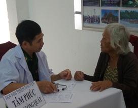 Khám chữa bệnh và tặng 600 phần quà cho bà con vùng biên giới