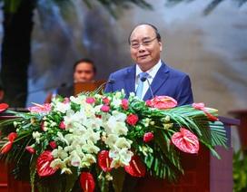 Thủ tướng Chính phủ gặp gỡ, thảo luận về công nghệ 4.0 cùng công nhân viên lao động