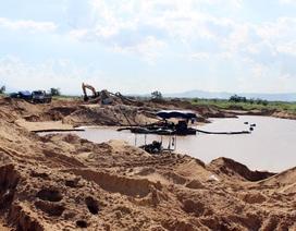"""Phú Yên: Doanh nghiệp khai thác cát """"thách thức"""" quyết định của chính quyền?"""