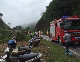 Xe Land Cruiser lao xuống vực, 5 người bị thương