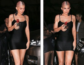 Kylie Jenner quyến rũ đi chơi tối