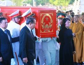 Hình ảnh lễ an táng Chủ tịch nước Trần Đại Quang tại quê nhà