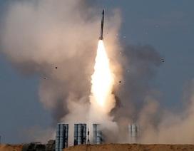 """Lý do Nga chọn S-300 để đưa tới Syria giữa lúc """"nước sôi lửa bỏng"""""""