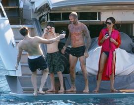 Gia đình Beckham đi nghỉ mát trên du thuyền