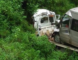 Xe cứu hộ gặp nạn, 2 người thiệt mạng