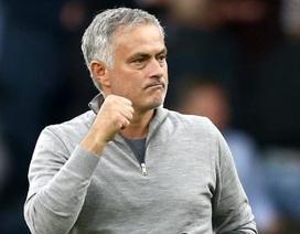 """Jose Mourinho: """"Man Utd sẽ phải trả giá đắt nếu sa thải tôi"""""""