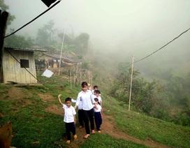 Cảm động Lễ khai giảng của học sinh đồng bào Cadong