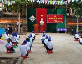 Niềm vui ngày khai giảng ở ngôi trường khó khăn bậc nhất cả nước