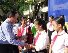 """Quảng Bình: Trao học bổng """"Tiếp sức đến trường"""" năm học 2018-2019"""