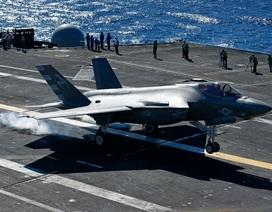 Máy bay F-35C hỏng nghiêm trọng trong lần đầu diễn tập trên tàu sân bay