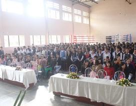 Hiệu trưởng nhận phụ cấp dạy học gần 100 triệu đồng dù không giảng dạy