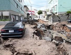 Cảnh đổ nát trên đảo Hokkaido của Nhật Bản sau động đất mạnh