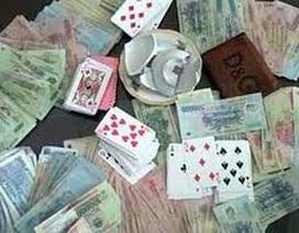Bắt quả tang Giám đốc Ban quản lý các dịch vụ công ích TP. Hạ Long đánh bạc