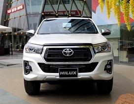 Toyota Hilux mới có gì cạnh tranh cùng các đối thủ?