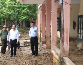 Trưởng Ban Tổ chức Trung ương Phạm Minh Chính: Nhanh chóng xây dựng lại trường bị sập do mưa lũ