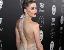 Vợ cũ Johnny Depp đẹp mong manh trong bộ váy gợi cảm