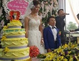 Vợ 1m65, chồng 80cm gây xôn xao trong đám cưới xứ Thanh ngày cuối cùng năm 2017