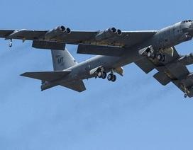 """Mỹ điều hàng loạt """"pháo đài bay"""" B-52 tới Thái Bình Dương"""