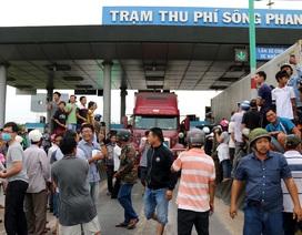 Trạm BOT Sông Phan kẹt xe nghiêm trọng vì bị tài xế phản ứng dữ dội