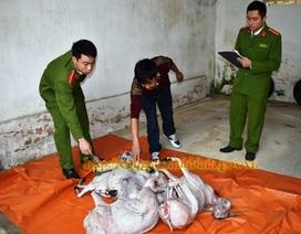 """Bắt gần 200kg thịt dê """"trôi nổi"""" từ Sơn La về Ninh Bình tiêu thụ"""