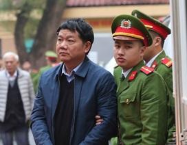 Toàn cảnh phiên xử ông Đinh La Thăng sáng nay