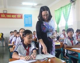"""Môn Ngữ Văn: Giáo viên không phải """"đổ kiến thức lên học sinh"""""""