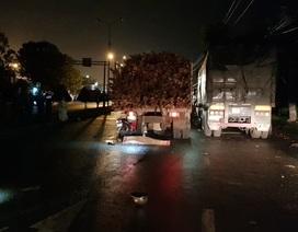 Đâm vào đuôi xe tải đang đậu trong đêm, hai người thương vong