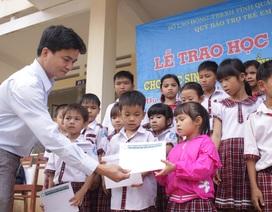 Trao 250 suất học bổng Grobest đến học sinh nghèo Quảng Ngãi