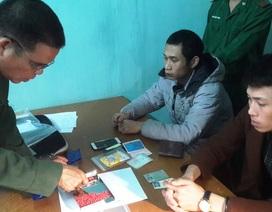 Nam thanh niên ném hàng trăm viên ma túy vào vườn chuối khi bị kiểm tra