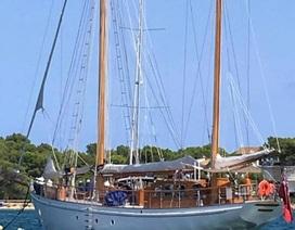 Bỏ 200.000 bảng Anh mua du thuyền để đi du lịch cả đời không màng danh lợi