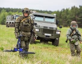 Công binh Nga phô diễn sức mạnh trên mọi mặt trận