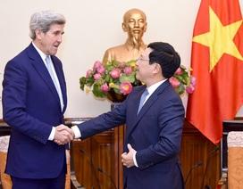 Phó Thủ tướng Phạm Bình Minh tiếp cựu Ngoại trưởng Mỹ Jonh Kerry