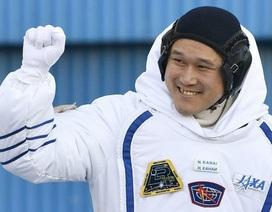 Phi hành gia người Nhật lo lắng không thể trở về Trái đất vì tăng trưởng bứt phá