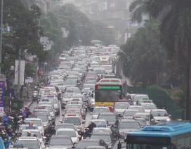 Hà Nội: Hàng nghìn phương tiện ùn ứ trên đường đẹp nhất Việt Nam
